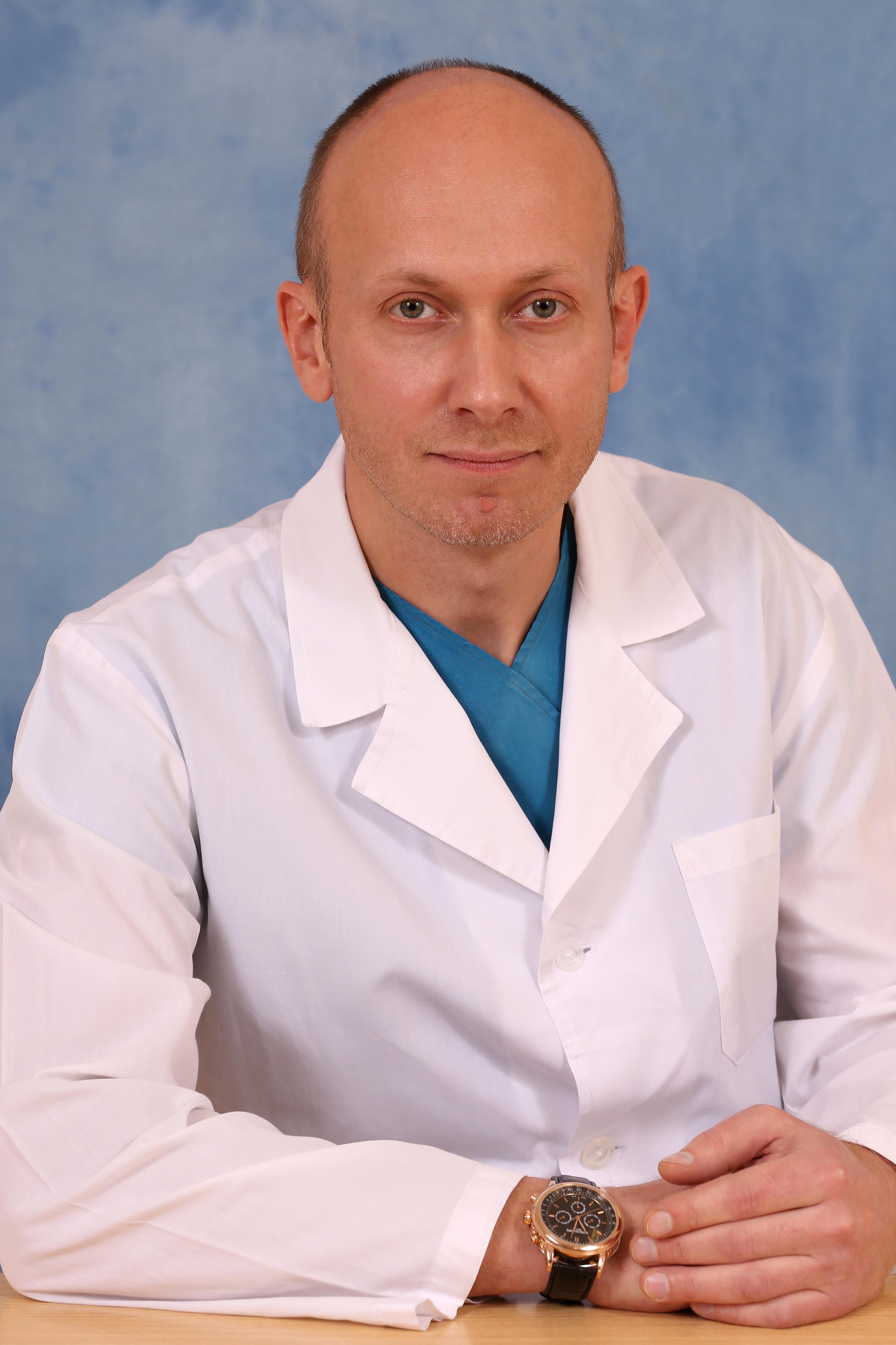 Врач-онколог Ермолаев Максим Владимирович